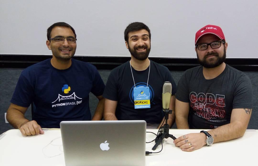 Bruno Rocha e Elyézer Rezende entrevistando Álvaro Justen, o Turicas.